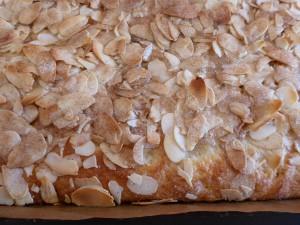 Zoom auf fertig gebackenen Butterkuchen